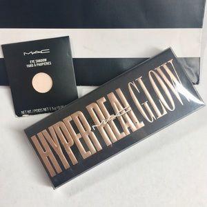 MAC BNIB Hyper Real Palette + Pro Eyeshadow Pan